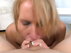 Sexy playgirl is charming dude with wicked fellatio job