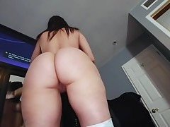 Boyfrend oils wazoo of charming sweetheart before banging her pussy